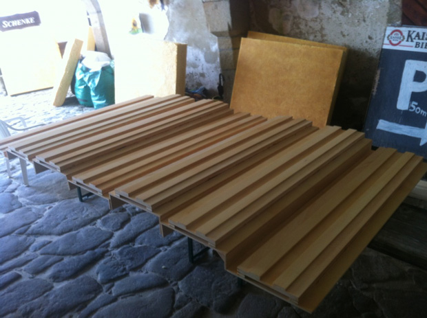 Acoustic diffuser panels arranged for mounting in a mastering studio/control room
