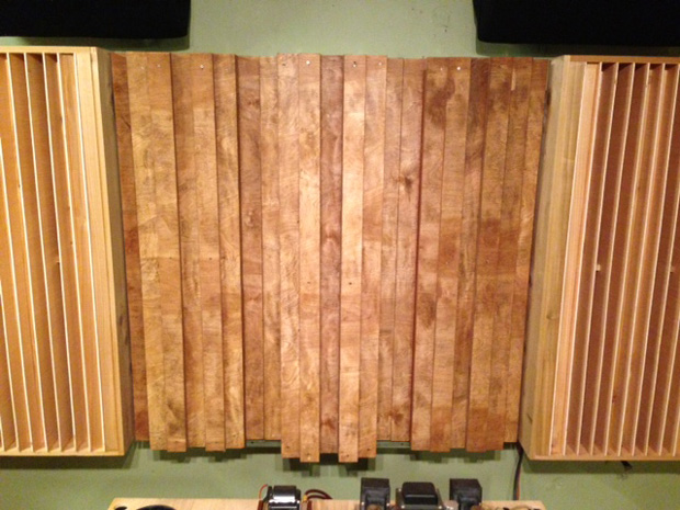 Three Leanfuser Acoustic Diffuser Modules Flanked by QRD Diffusers. Built by Michael (tinnitusintx on Gearslutz).