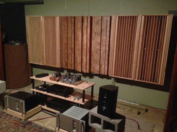 Three Leanfuser Stepped Diffuser Modules Flanked by QRD Diffusers. Built by Michael (tinnitusintx on Gearslutz).