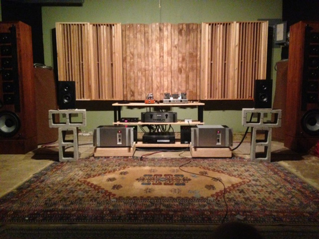 Three Leanfuser Sound Diffuser Panels Flanked by QRD Diffusers. Built by Michael (tinnitusintx on Gearslutz).
